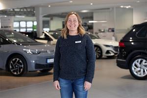 Mikaela Sköld är servicemarknadschef på Bilmetro Bollnäs och har själv arbetat på företaget i över 30 år.