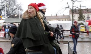 – Jag har varit med på julmarknaden de senaste 7-8 åren, men fick nyligen barn så i år måste jag ha hjälp, säger Therese Spjuth från Järnboås.