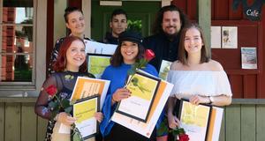 På bilden övre raden från vänster: Matilda Boström, Ahmad Kullab, William C. Woxlin.  Nedre raden från vänster: Isabelle Henningson, Leyah Holmstedt och Olivia Nygårds.