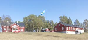 Föreningen Wilhelmsbergs gårdar på Norderön. Där hölls årsmöte i slutet av april. Foto: Marie Marcusson