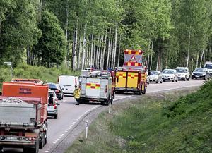 Bilbranden orsakade en del köer under tisdagseftermiddagen på Lugnetleden.