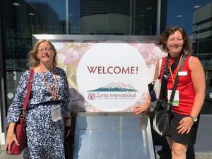 Falukvinnorna Åsa Hermansson och Ann-Louise Larsson var på plats i Japan under Zontas världsmöte. Foto: Zonta