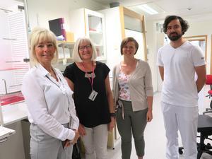Patologen i Gävle ligger långt framme i digitaliseringen, konstaterar Irene Silverlo, vårdenhetschef, Anna Sörebö, projektledare, Therese Magnusson, medicinsk sekreterare, och Gordan Maras, ST-läkare.