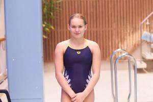 Emma Johansson föredrar de lägre svikterna men kände att det var jättetråkigt på hennes sista tävling på fem meter.– Det var som att sluta med en sport, säger hon.