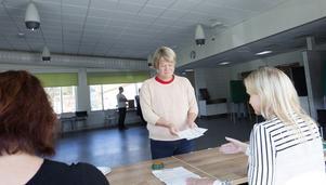 Ulla Andersson tycker att det känns bra att rösta på själva valdagen.