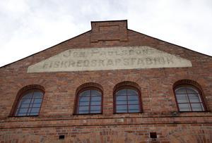 I fiskredskapsfabriken tillverkades bland annat fisknät som gick under namnet Delsbonät.