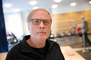 Roland Johansson vill inte kalla det för frieri, men medger att SD är beredda att stödja de borgerliga om man får gehör för sina förslag.