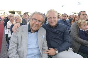 Arne och Andreas Weise i publiken på säsongens sista Allsång på Skansen sommaren 2014. Foto: TT/Janerik Henriksson