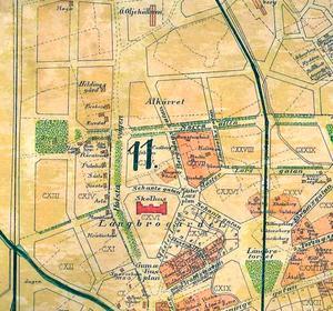 År 1911. Detalj ur karta över Örebro stad 1911. Berg till vänster i det grönmarkerade området väster om Hovstavägen. Skolhuset är gamla Olaus Petriskolan då benämnd Norra skolan.