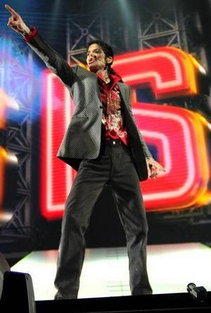Michael Jackson repeterade in i det sista. Regissören Kenny Ortega bekräftar att popstjärnan var mager, men att han annars verkade vara på gott humör. Foto: Kevin Mazur/AEG/Getty Images/AP/Scanpix