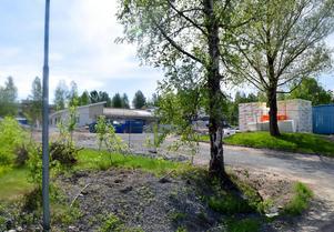 I augusti ska det nya LSS-boendet på Åsenområdet invigas, men då ska det vara rött och ha inglasad uteplats.