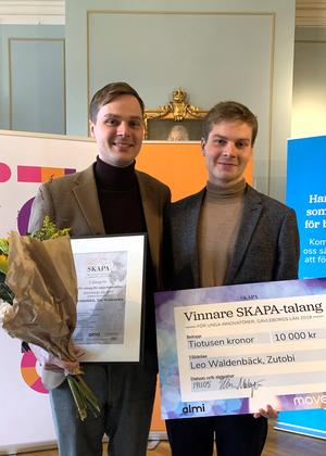 Vinnaren Leo Waldenbäck och hans bror Tim Waldenbäck från Zutobi tycker det är roligt att andra tror på deras idé. Bild: Anna Utterberg