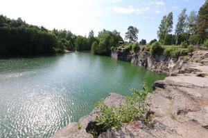 Tjänstemän i Lekebergs kommun har lämnat en rad förslag på åtgärder för att förbättra situationen vid Lanna badgruva. Arkivbild.