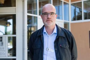 – Vi gör vad vi kan på akuten för att de väntande patienterna ska må så bra som möjligt, säger Walentin Lindholm, verksamhetschef för akutsjukvården i Gävleborg.