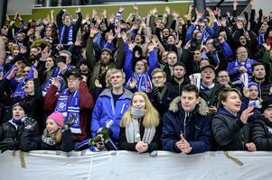 Villas publiksnitt i elitserien var 3 193 åskådare. Tvåan Hammarby hade strax över 2 062. Sedan Sparbanken Lidköping Arena stod klar i december 2009 har Villa aldrig haft under 2 000 åskådare på en serie- eller slutspelsmatch. Bild: Björn Larsson Rosvall / TT