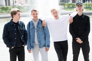Den svenska hiphop-gruppen Hov1 består av medlemmarna Noel Flike, Ludwig Kronstrand, Dante Lindhe och Axel Liljefors Jansson. Foto: Henrik Montgomer
