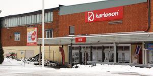 Än så länge finns lågpriskedjan Karlsson kvar i Morgongåva.