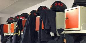 Deltidsbrandmännens fack glömdes bort när kommunen skulle MBL-förhandla. Nu stämmer fackförbundet BRF arbetsgivaren, Västra Mälardalens kommunalförbund.