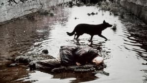 Aleksandr Kajdanovskij som Stalker i  Andrej Tarkovskijs film med samma namn. Foto: Filminstitutets bildarkiv