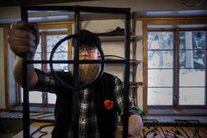 Sam Hammarström visar upp sin grind i miniatyr.