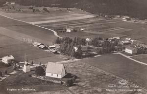 Flygfoto över Överlännäs. Ur Bo G Halls samlingar.