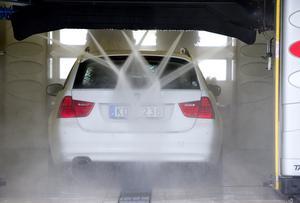 Det fuskas med underspolningen på många biltvättar.