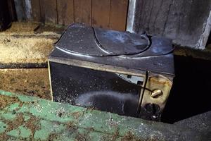 En av familjens ägodelar som totalförstördes i källaförrådet.