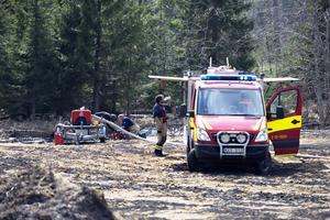 Räddningstjänsten kunde ta vatten i en närliggande å.