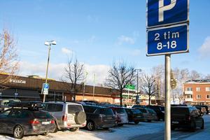 I samband med kommunfullmäktigemötet i februari 2017 framfördes klagomål gällande politikernas parkeringsvanor.Foto: Caj källmalm