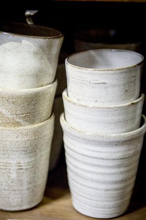 Keramiken är enkel och stilren.