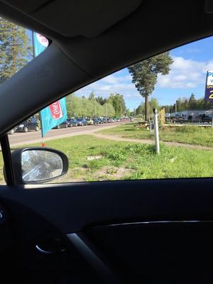 Trafikkaos utbröt när det lovades gratis bensin.