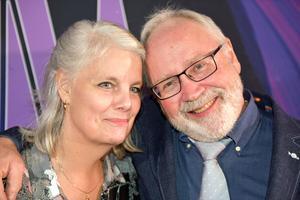 Maria och Torgny Högdahl gifte sig nyligen Vad passar bättre än att fira med schlager på Brux?