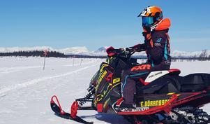 Eva Göransson tillbringar sin lediga tid, när vädret tillåter, på snöskotern under vinterhalvåret.