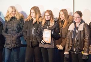 Det fanns flera vinnare under tisdagens prisutdelning. Roslagsskolan 9G vann 5000 kronor i kategorin bästa presentation.