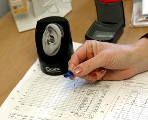 Ett hörseltest krävs vid  utprovning av rätt hörselhjälpmedel. FOTO: BERTIL ERICSON