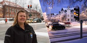 """Carola Jonsson, trafikingenjör på Östersunds kommun, säger att trafikljusen i Östersund är väldigt gamla och att man måste """"lura"""" systemet för att få dem att fungera. I dagarna har de stått och blinkat gult, som på bilden. Foto: Petter Hansson Frank/Per Hansson"""