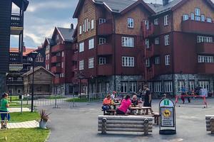 Destination Vemdalen driver turistbyrån i Vemdalen och vann även upphandlingen för turistbyrån i Hede. Avtalet är värt drygt 600 000 kronor som försvinner vid årskiftet.