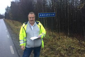 Vid Ankarsviksskylten bygger kommunen en nerfart till det nya området.