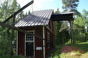 Vid Kärrgruvans gruvmiljö i Norbergs kommun, finns ett Polhemshjul, byggt efter Polhems ritningar, som hade till uppgift att överföra kraften från vattenhjulet till en stånggång. En stånggång var vår första kraftledning. Det är en lång trästång, upphängd på stolpar via svängbara armar.