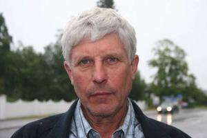 Stig Eng vill se en fortsatt diskussion kring räddningstjänsten i Hassela.