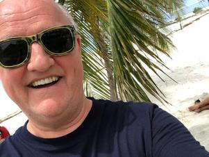 Svenåke Svensson har aldrig ångrat att han la ner tränarkarriären och blev scout. Här en bild från i början av sommaren när han semestrade i Key West. FOTO: Privat
