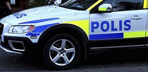 Polisen försökte hitta den killen som misstänks ha försökt stjäla ur fordonet, utan att lyckas.