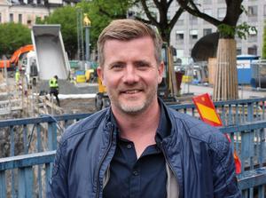 Johan Lind leder tre likadana projekt parallellt. Förutom i Svartån bygger Mälarenergi faunapassager i Rällsälven och Hedströmmen.