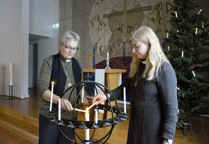 Diakonerna Irene Andersson och Christina Persson håller i gudstjänsterna som anordnas första fredagen varje månad.