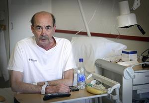 Jan Sjödin, på Bollnäs sjukhus. Hans kol-anfall kommer allt tätare.