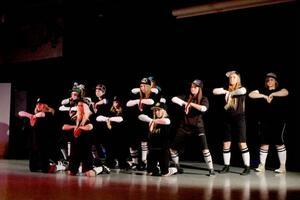 Närmare 90 dansare bjöd på dansuppvisning på Mediecenter i Svenstavik. Intresset för dans har ökat enormt på bara ett år.