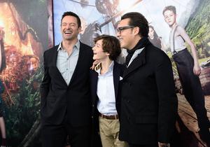 Hugh Jackman och Levi Miller tillsammans med regissören Joe Wright på världspremiären för