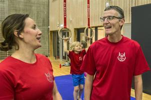 Malin Schleenvoigt och Mats-Erik Wiktorsson, två av alla Rödöbor som sitter i styrelsen för Rödöns sportklubb, nu nominerad för barnidrottspriset.