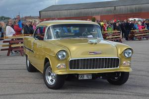 Anders Bylén från Delsbo med en Chevrolet Bel Air från 1955 tog sig långt i tävlingen.