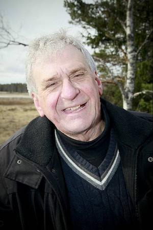 """Stefan Edman blev kontaktad av Hans Månsson eftersom Hans ville koppla sina bilder till en faktabaserad text om vatten. Resultatet blev boken """"Vattenvärld"""".  Med anledning av boken är han nu i Östersund under två dagar för att föreläsa."""